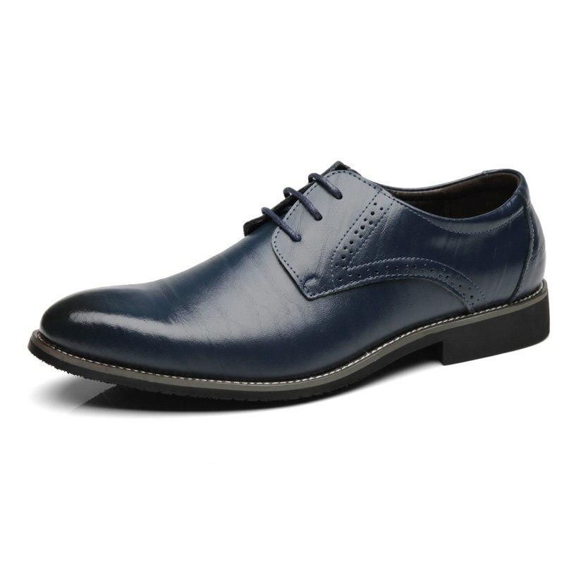 Beliebte Marke Neu Kommen Herren Patent Leder Schuhe Männer Kleid Schuhe Lace Up Spitz Hochzeit Business Party 3 Farben Große Größe Luxus Oxfords