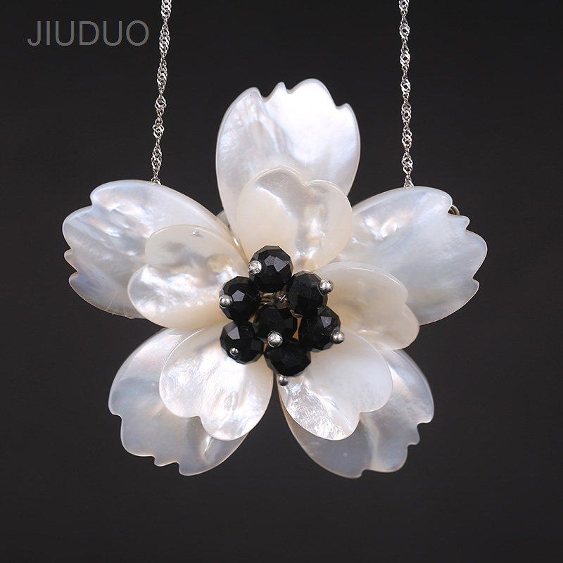 Double layer Shell Flower pendant necklace Crystal simulation necklace Dazzling jewelry identification design factory direct