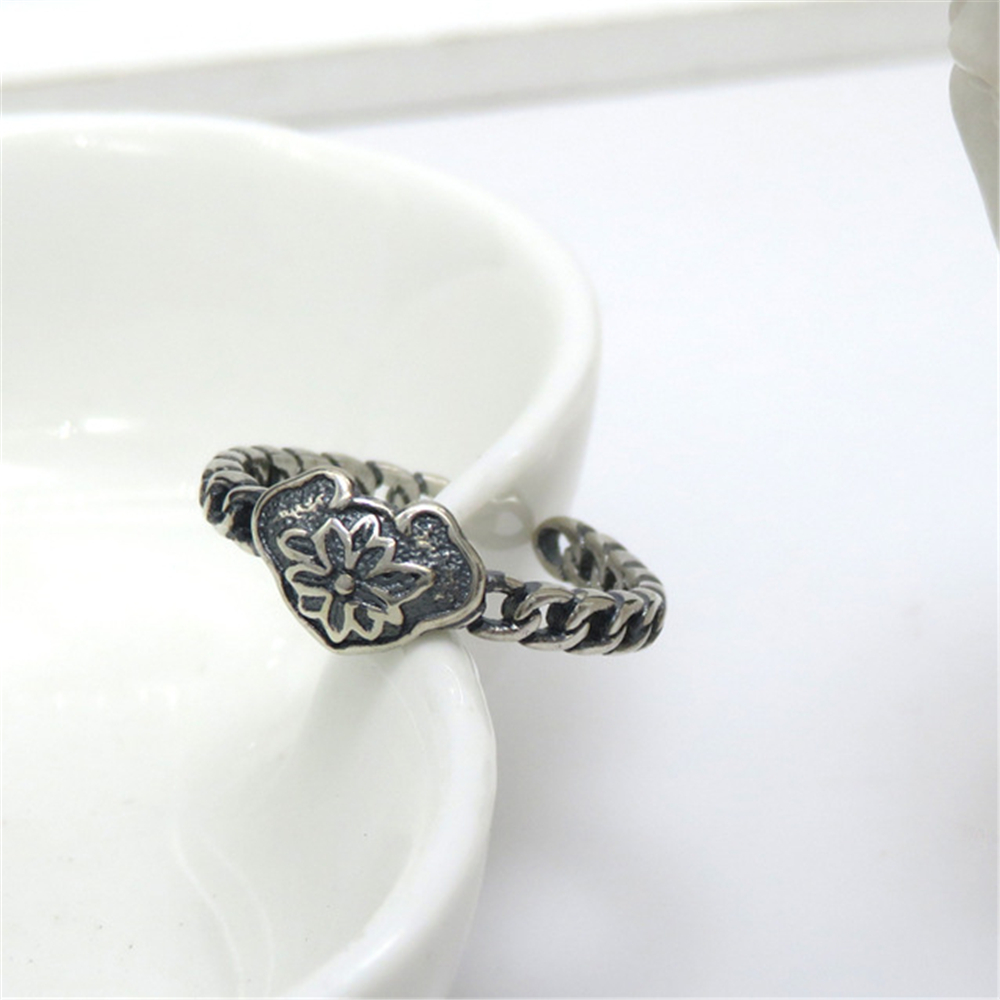 LOREDANA  Adjustable ring fashion retro long life lock woven pattern openings for men and women.Good for party shopping.(China)