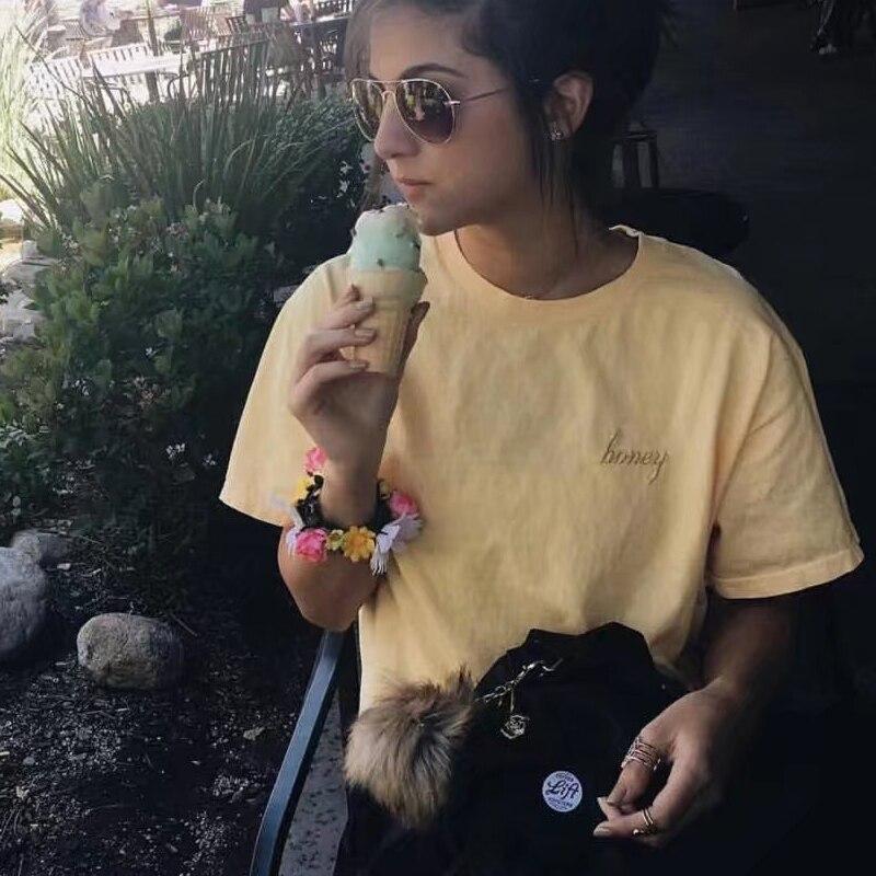 Amarelo verão mel impressão tshirt das mulheres do bordado do vintage camiseta de manga curta partes superiores das mulheres camiseta mujer camiseta femme