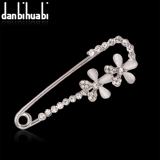 b8d10a02a7 US $1.07 40% OFF|Hijab Pins silver color Safety Pin Brooch Jewelry Fashion  Luxury Rhinestone Men Brooches For Suit Scarves Corsage Sweater Collar-in  ...