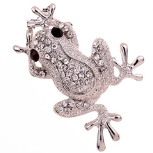 Cute Silver Color Frog Shape Carve Shining Rhinestone Decor Brooch Women Man Kid Hijab Scarf Broches Coat Sweater Clip spille