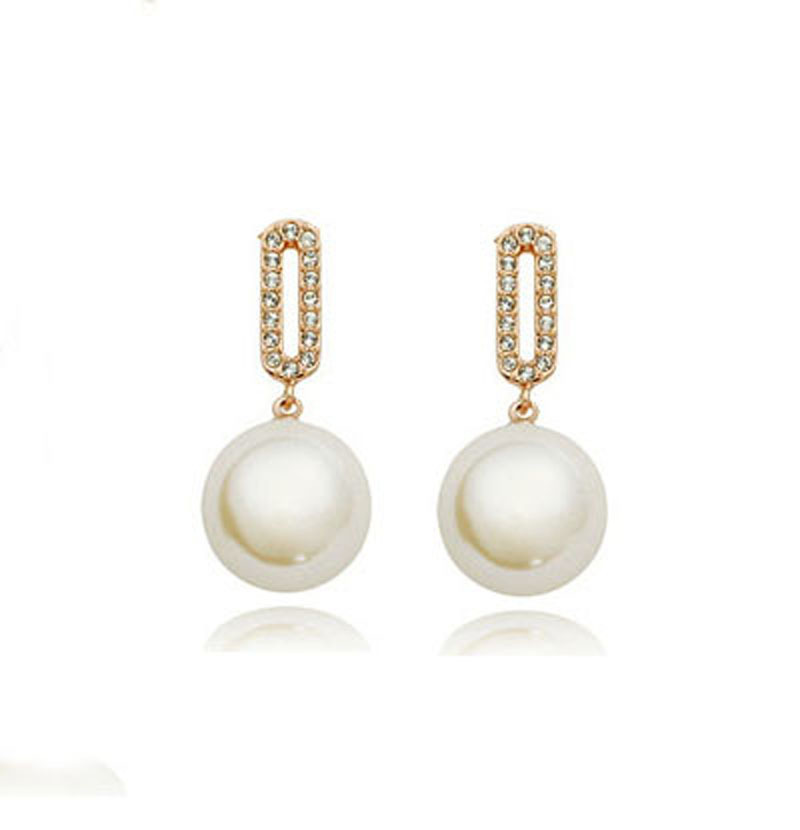 The spot of direct selling wholesale Only beautiful pearl earrings Han edition stud earrings The girl earrings wholesale 193
