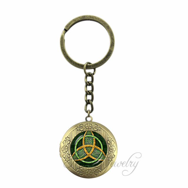 Triple Moon Leaf Pattern Glass Dome Key Chain Ring Triple Goddess