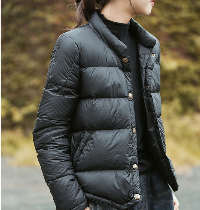 Duck Down Coats Female Stand Collar Light 90% Down Coat Autumn Winter Single Breasted Warm Bread Style Fluffy Down Coat Wq2478