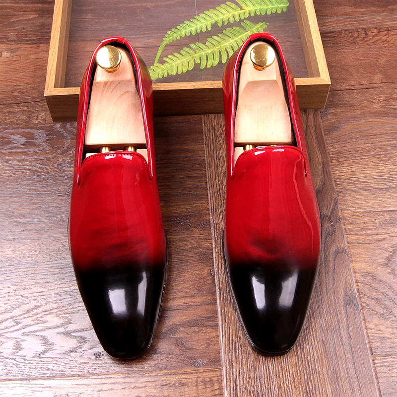 цена italian brand designer men casual business wedding formal dress bright patent leather shoes slip-on lazy driving oxfords loafers онлайн в 2017 году