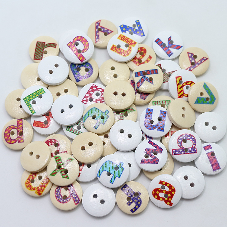 50pcs 15mm Natural Wooden Letter Buttons 2 Holes Painted Alphabets Wood Sewing Crafts Scrapbooking Knopf Boutons
