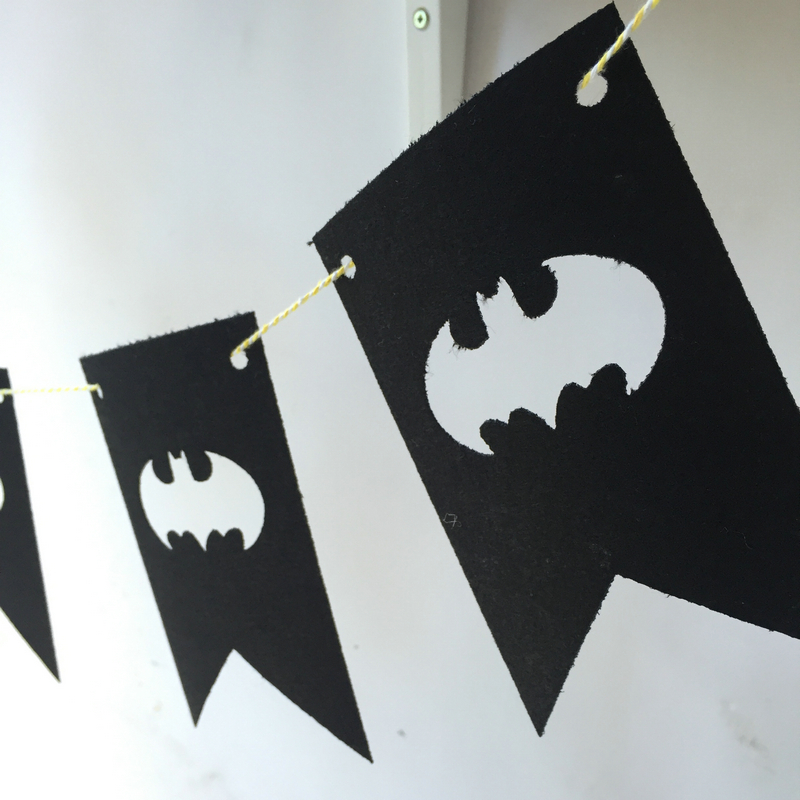 Freeshipping Batman Partys 3 Meter Felt Banner 2 Corner Flag Birthday Party Decoration Bunting supply fabric in Banners Streamers Confetti from Home Garden