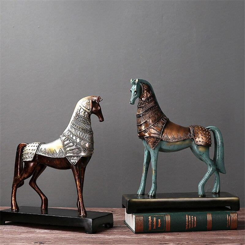 Rétro Bronze cheval nostalgique décoration de la maison résine cheval Statue animaux résine ornements porter armure cheval