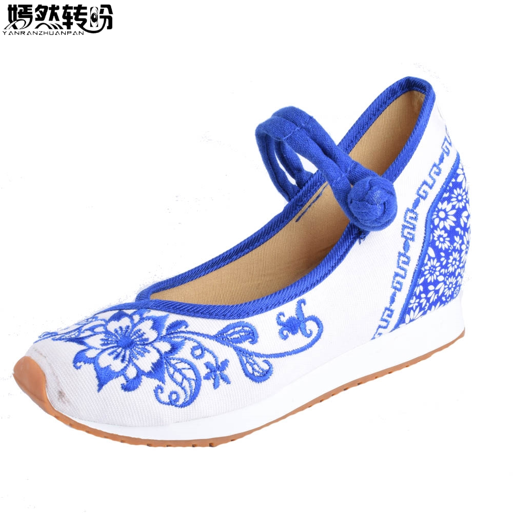 Vintage Women Flats Canvas Blue and White Flower Embroidery Casual Cotton Cloth Platforms Shoes Woman Sapato Feminino Size 34-40 vintage flats shoes women casual cotton peacock embroidered cloth flat ankle buckles ladies canvas platforms zapatos mujer
