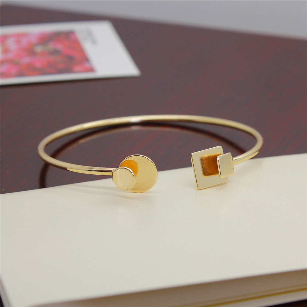 Free shipping Fashion jewelryFashionable woman gold white black sole custom geometry folding round square bracelet