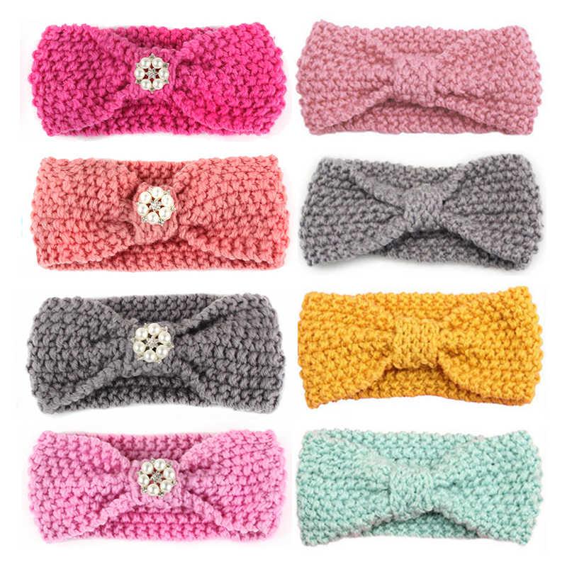 c3e427cb8ee4 Крючком для маленьких девочек повязка на голову с цветами и жемчугом  Детские Луки узел волос Группа