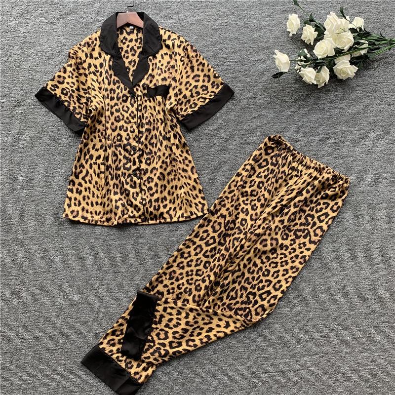 Daeyard Luxury Leopard Pajamas For Women Silk Satin Button Up Short Sleeve Pj Set Summer Pyjamas Sexy Ladies Sleepwear Homewear