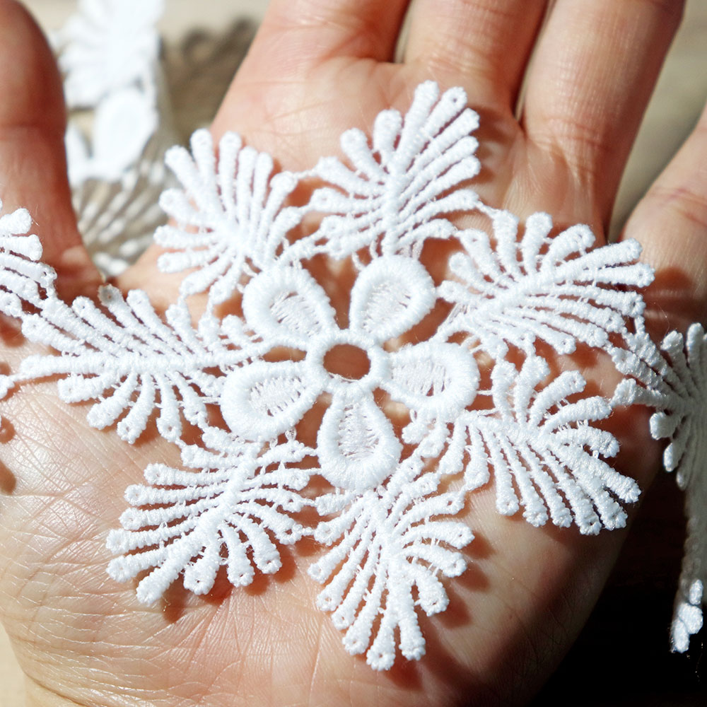 2Yards 7cm Width White Embroidered Snowflake Lace Trim Water Soluble Lace for Curtain Sofa Edge Decoration Sewing Appliques in Lace from Home Garden