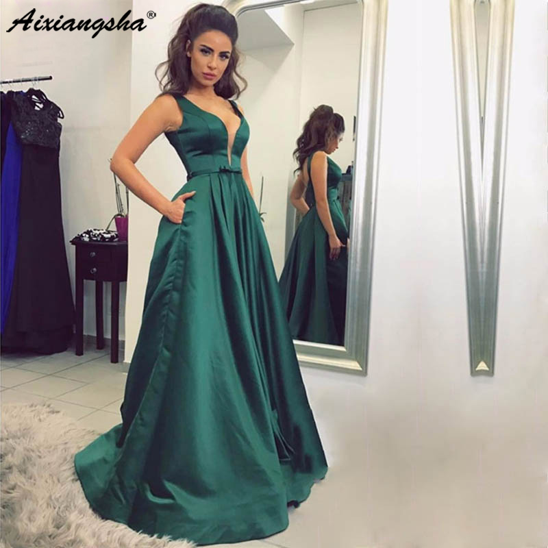 Green Long   Prom     Dresses   2019 V-neck Floor Length Backless Sleevelss Satin Evening Gown Vestido De Festa