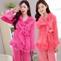 2017 nueva Coral de terciopelo Princesa albornoz de franela invierno pijamas de manga larga de las mujeres dos conjuntos de engrosamiento