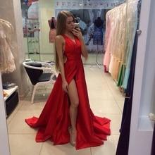 Phantasie 2016 Sexy V-ausschnitt Red Lange Abschlussball-kleider High Slit Sweep Zug Satin Cocktail Kleid