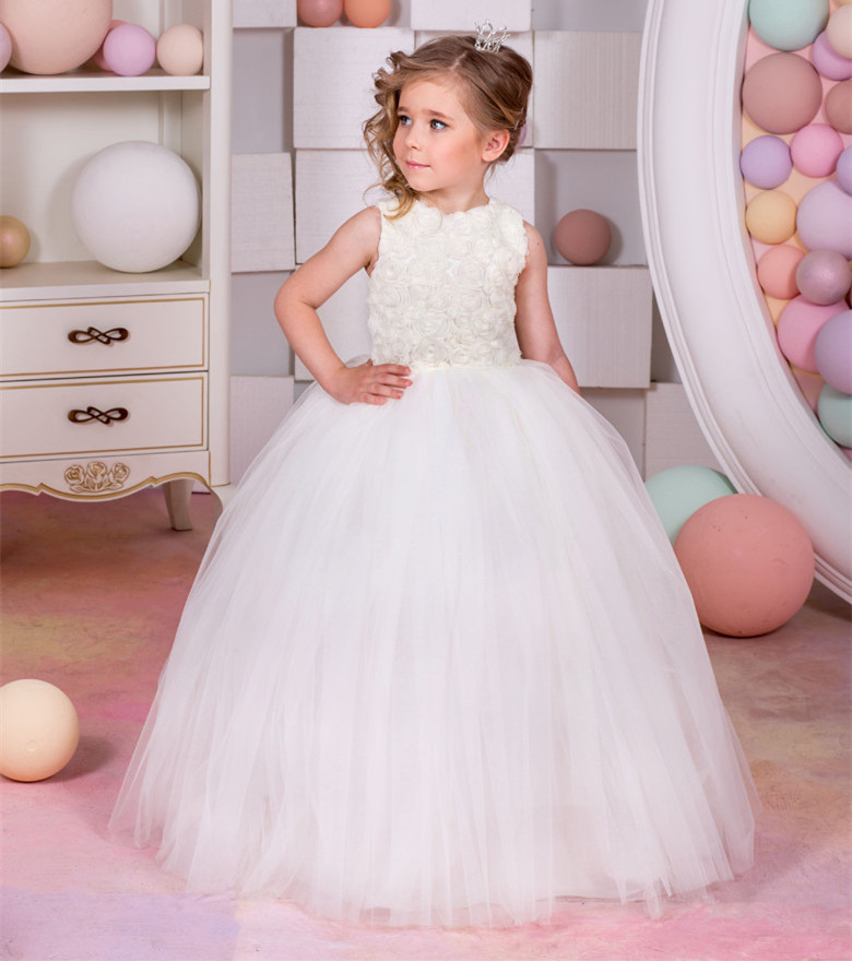 2017 New Flower Girl Dresses O-neck Sleeveless Ball Gown Lace Up Tulle White and Ivory First Communion Gowns Kids Evening Gowns new white ivory flower girl dresses for wedding 3d flowers puffy tulle with big bow girls first communion gowns