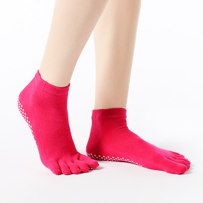 Hot Sale Women Anti-slip Yoga Socks Fingers Fitness Pilates  Socks Gym Five Toe Sport Socks Cotton Colourful Elastic Winter