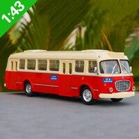 1:43 Scale Skoda Corosa car model,simulation Beijing bus 32 way die cast metal bus model,free shipping