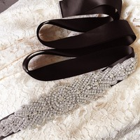 New Fashion Luxury Elegant S23 Women Crystal Rhinestones Sash Belt Wedding Bridal Sash Pearl Beading Handmade