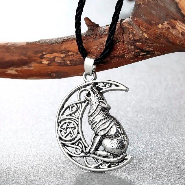 Collier loup lune celtique  3