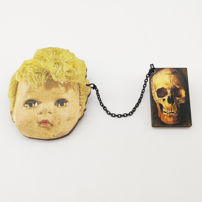 Dedicated Vintage Creepy Doll Head Pin Skull Brooch Pin Retro Ugly Doll Wooden Skeleton Badge Jewelry Halloween