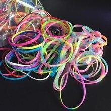 30 шт./упак. вечерние Свадебные Сувениры Силиконовый Браслет Цветные Носки для мальчиков и девочек красивые силиконовые браслеты деятельности небольшие подарки вечерние поставки