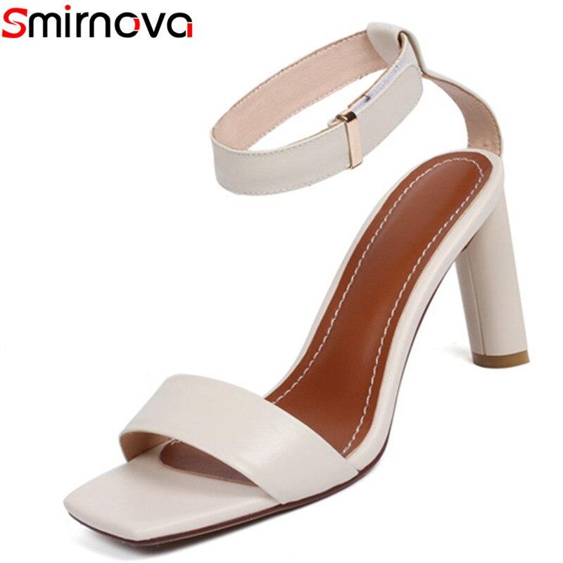 Smirnova 2018 جديد وصول الصيف الترفيه أزياء النساء الصنادل جلد طبيعي بلون الكاحل حزام عالية الجودة أحذية امرأة-في كعب عالي من أحذية على  مجموعة 1