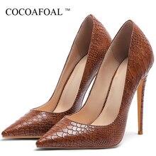 a44d73816a Das Mulheres de pele de Cobra Sapatos de Salto Alto Mulher Sapatos  Valentine COCOAFOAL Multicor Sapato Moda Sexy Casamento Bomba.
