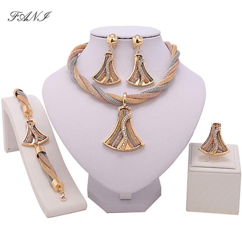 Fani Exquisite Dubai gold Jewelry Set Wholesale Luxury Nigerian Woman Wedding Fashion African Beads Jewelry Set Costume Design