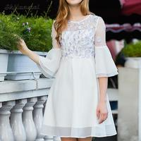 Elegancki 3/4 Flare Rękaw Chiffon Dress Party Biały Kobiety Kwiatowe Aplikacje Szyfonu-line Suknie Lato Vestidos Verano 2018