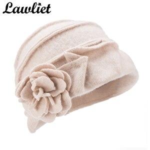 Image 4 - Elegancki 1920s styl kapelusze damskie zimowe Beret czapki Beanie dla kobiet wiadro Cloche Cap 100% gotowane wełny ciepłe kapelusze A376