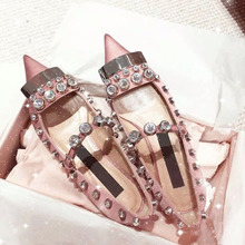 New Silk Satin Crystal Espadrilles Teenager Girl Flat Shoes Pink Pointed Rhinestone Womens Summer Footwear Rivet Loafer Wedding