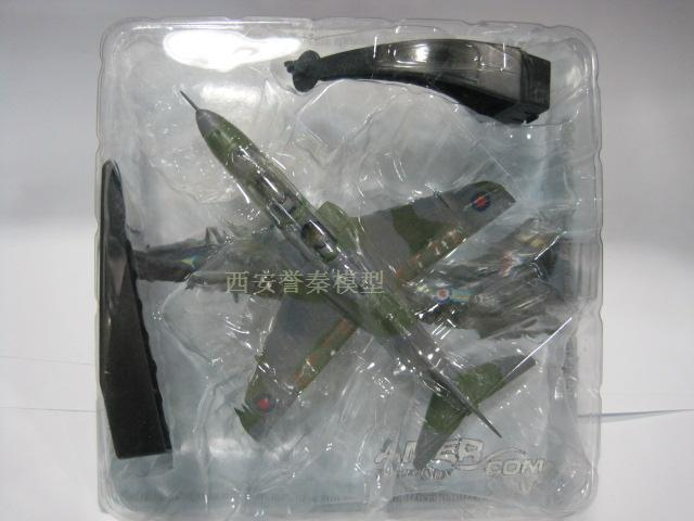 AMER 1/72 Scale Military Model Toys Britain Hawk Fighter Diecast Metal Plane Model Toy For Gift/Collection