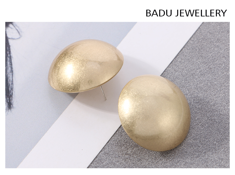 HTB1HudfaijrK1RjSsplq6xHmVXa4 - Badu Frosted Gold Semi-Ball Stud Earring for Women Vintage Fashion Jewelry Big and Small Different Size Earring