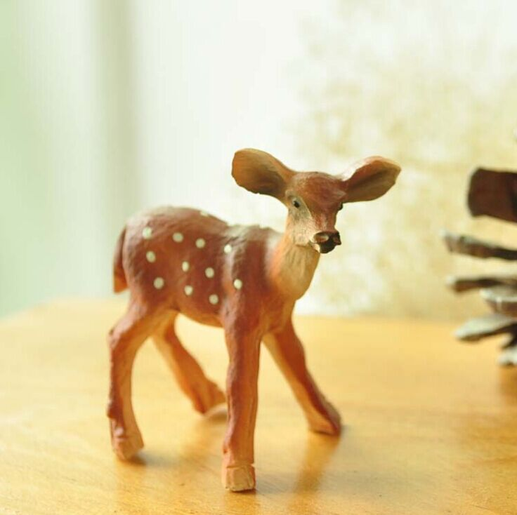 Country Style Resin Deer Home Decor Happy Curious Deer