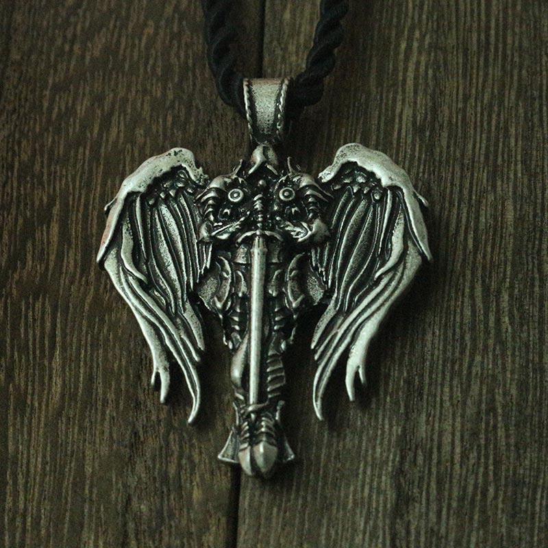 Lanseis 1 unids celta Cruz hombres collar Cruz irlandesa con Ángel alas colgante diablo Arcángel proteger Talisman joyería