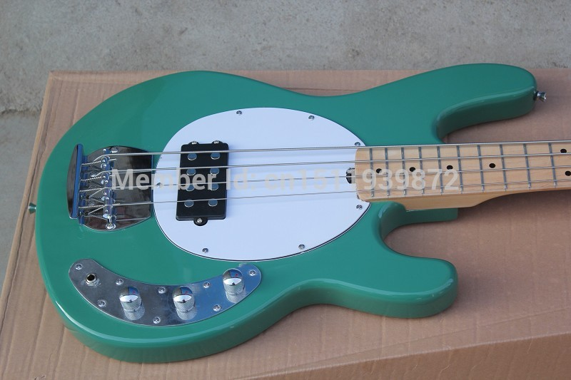 hardcase bass guitar stingray 4 music man green electric bass best musical instruments active. Black Bedroom Furniture Sets. Home Design Ideas