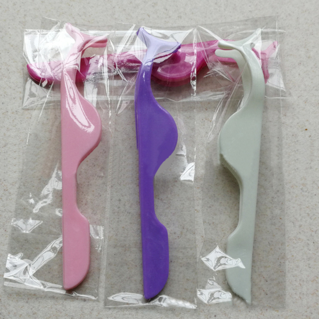 1pcs Plastic Eyelashes Extension Tweezers Auxiliary Clamp Clips Practice Beauty Eye Lash Makeup Tools 2