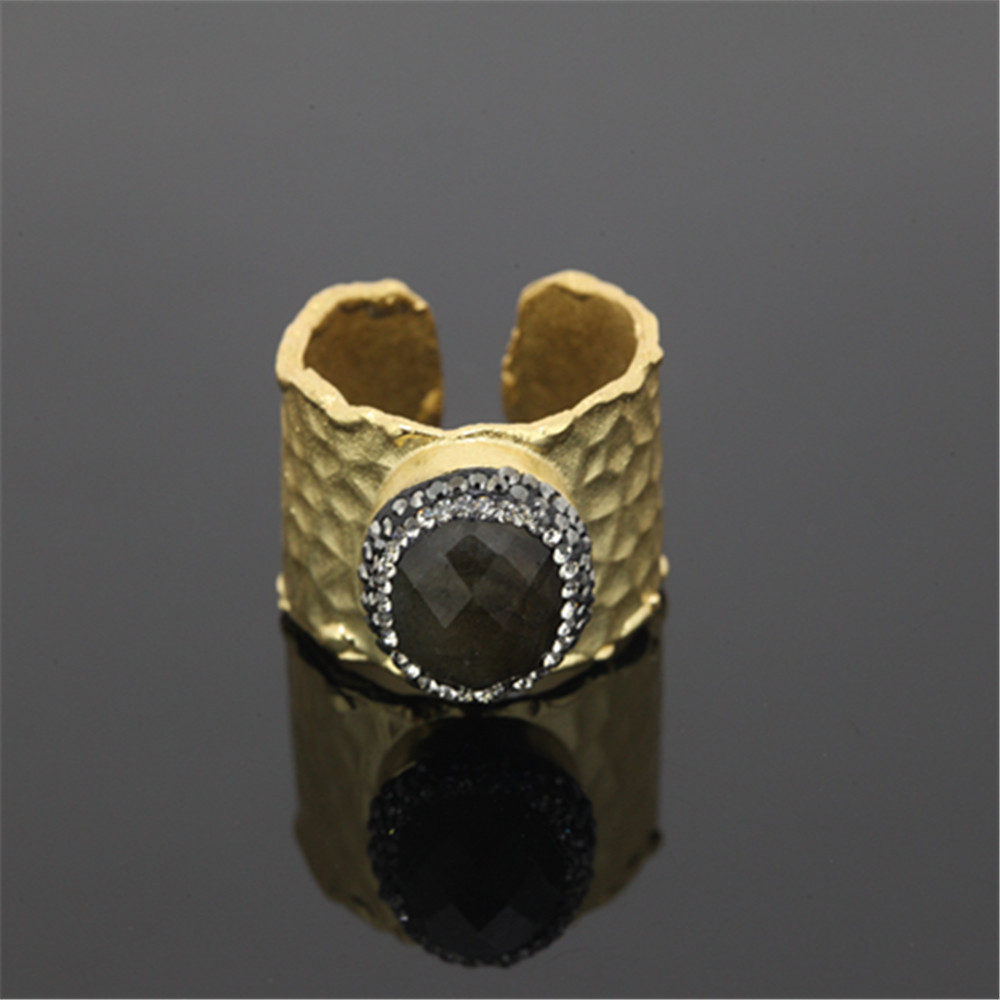 New design charm natural quartz stone ring in gold color for women druzy onyx stone paved