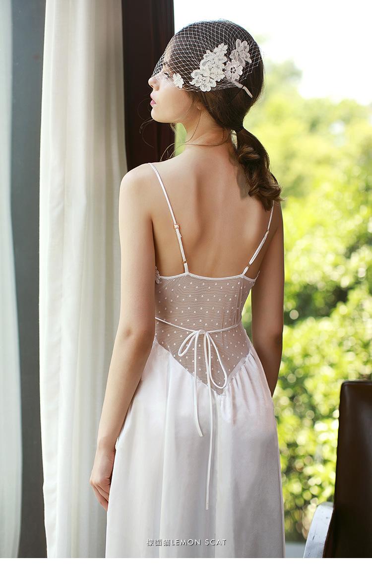 a05f6e63b8 Women White Silk Lace Long Sleep Dress Night Wear Vintage Palace ...