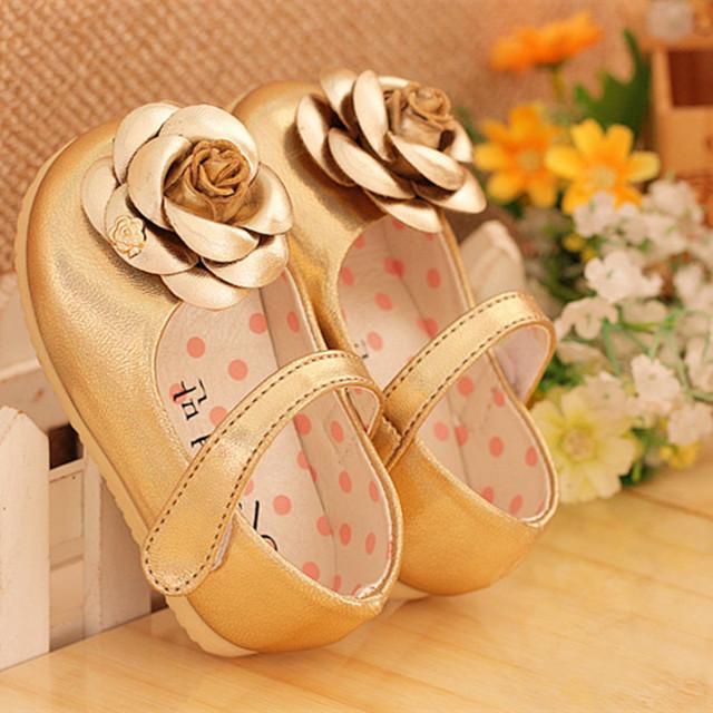 Zapatos de las muchachas Niños De La Princesa Flor Zapatos de Las Muchachas Suavemente Suela de Cuero Zapatillas de deporte de Los Niños zapatos de Marca Floral niñas Zapatos blanco negro