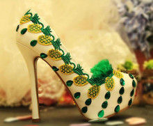 Winter new shallow mouth high – heeled bride wedding shoes Korean banquet performances embroidered diamond women's shoes