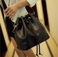 2017 nuevas Mujeres de La Pu Bolso de Cuero Simple Cordón Bucket Bolso de Hombro Cross Body Bags Envío gratis Negro Blanco Rojo púrpura