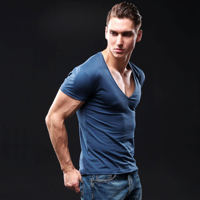 V Neck Fitness T-Shirt Men Fashion