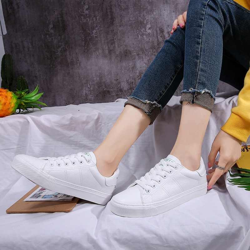 Женские теплые кроссовки Smile Circle, модные и очень мягкие белые зимние меховые кроссовки, на плоской подошве со шнуровкой, замшевые, 2019