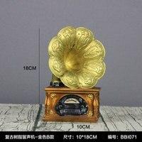 Vintage phonograph model display creative home art bar vinyl record machine wine cabinet decoration crafts statues Home dies