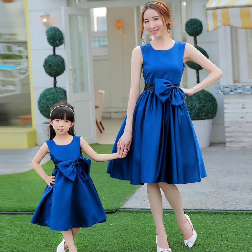 Haut de gamme bébé mère fille robe famille correspondant tenues paillettes sans manches Costumes anniversaire mariage soirée robe Y746