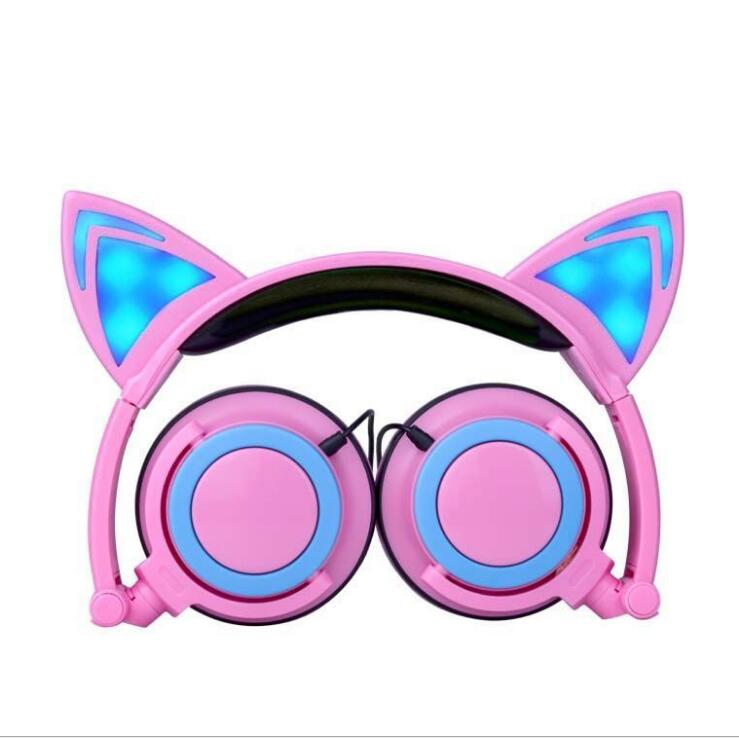 Sports headphonesFoldable Flashing Glowing cat ear headphones Gaming Headset Earphone with LED light For PC Laptop Computer Mob